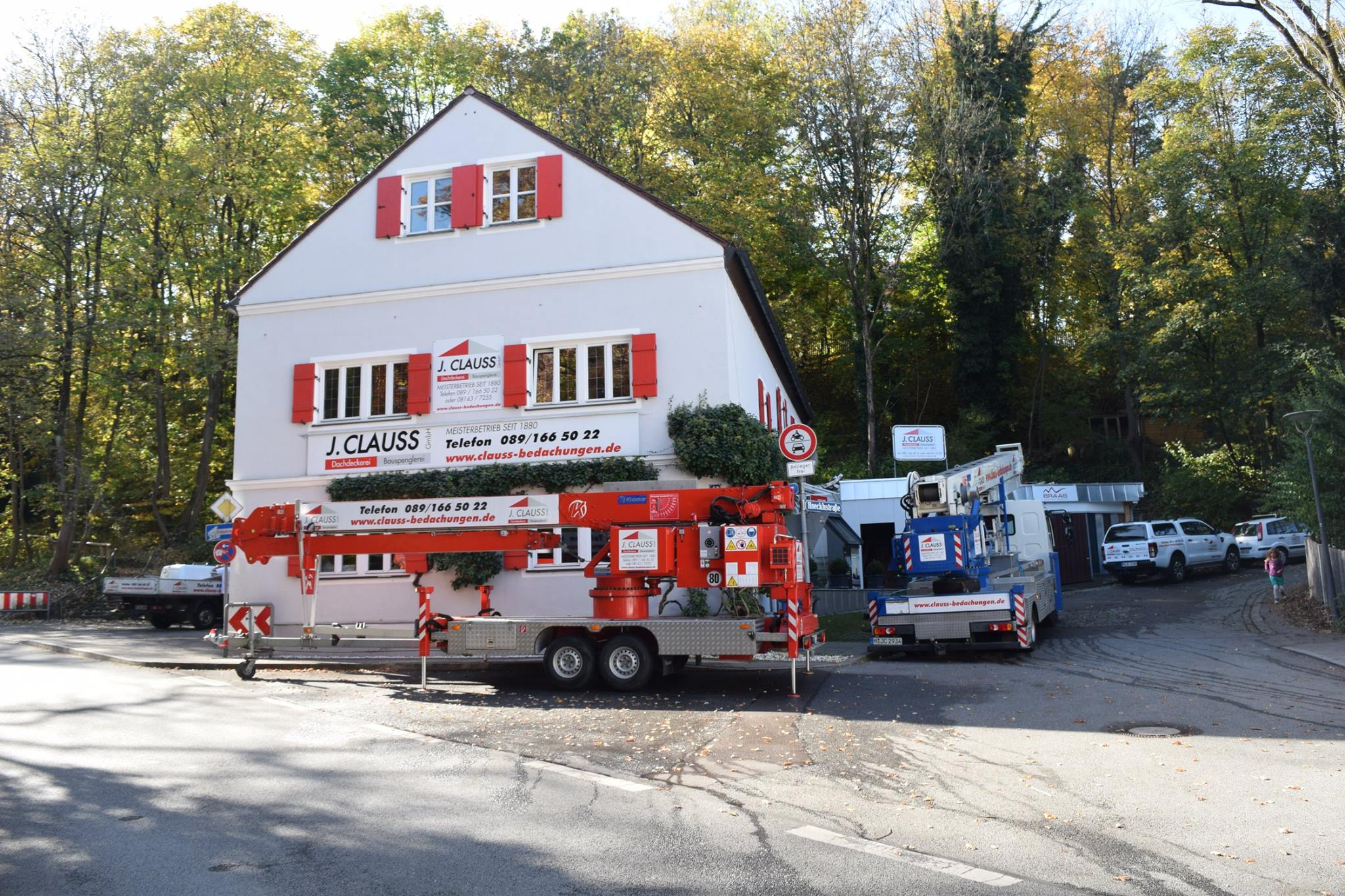 kran mieten in m nchen clauss bedachungen. Black Bedroom Furniture Sets. Home Design Ideas